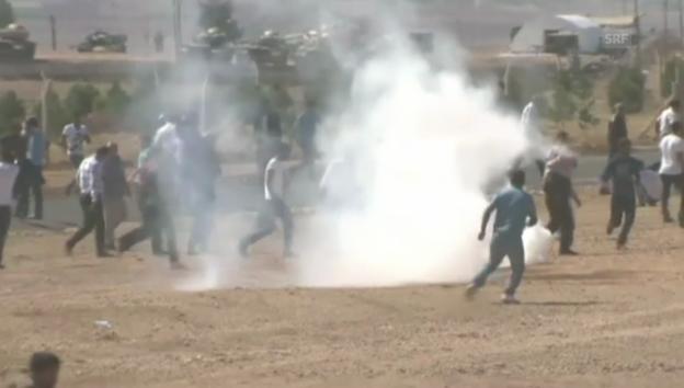 Video «Mit Tränengas gegen kurdische Demonstranten» abspielen
