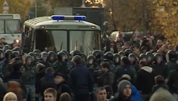 Video «Krawalle in Moskau (unkommentiert)» abspielen