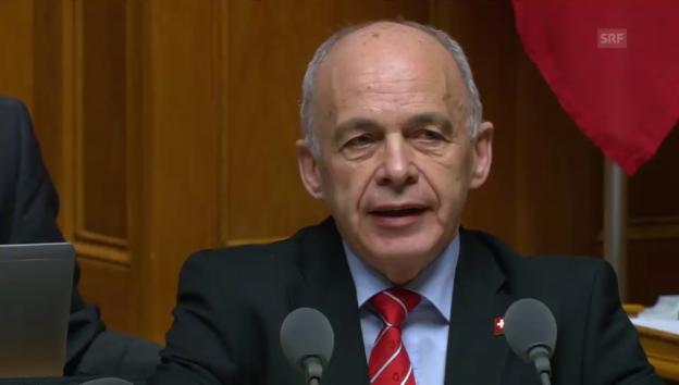 Video «Maurer: Sicherheitspolitik ist wieder prioritär» abspielen