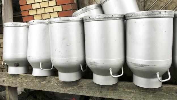 Video «Resistente Keime in Rohmilch – Das Risiko aus dem Stall» abspielen