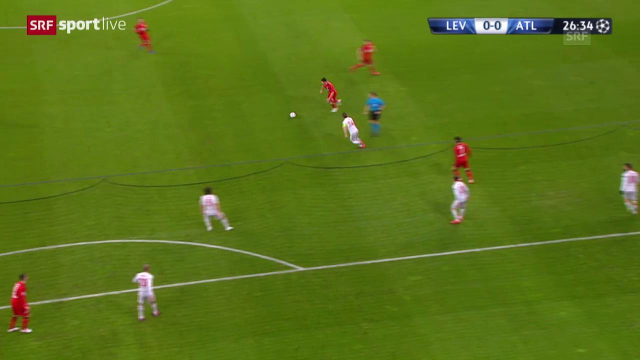 Fussball: Champions League, Achtelfinal, Leverkusen – Atletico Madrid, Lattenknaller von Emir Spahic