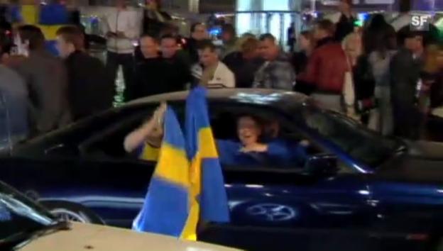 Video «Schweden feiern den Eurovision-Sieg (unkomm.)» abspielen