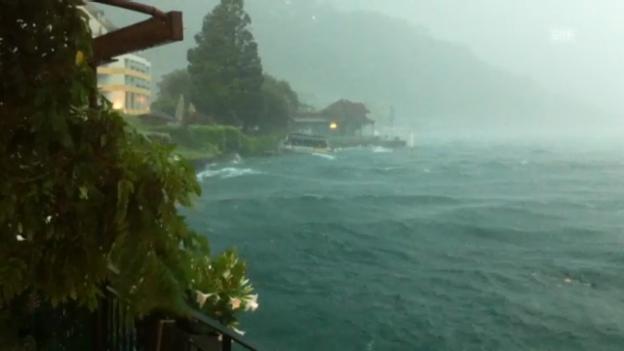 Video «Unwetter in Weggis (LU) (ohne Kommentar)» abspielen