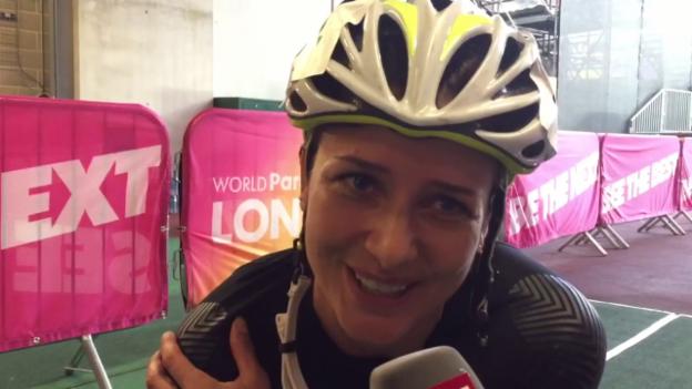 Video «Manuela Schär: Überglücklich nach dem Gewinn von Silber» abspielen