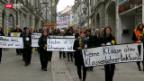 Video «Freiburger Lehrer demonstrieren» abspielen