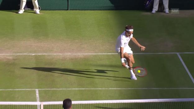 Video «Tennis: Wimbledon, Federer - Bautista Agut, Lob-Ball zum Satzgewinn» abspielen