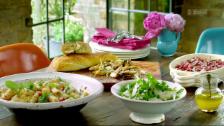 Link öffnet eine Lightbox. Video Jamies 30-Minuten-Menüs: Rigatoni mit sizilianischer Pesto abspielen.
