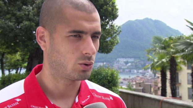 Video «Eren Derdiyok über die Saison, den Konkurrenzkampf und das Belgien-Spiel» abspielen