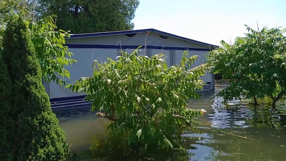 18. Juli: Hochwasser am Neuenburgersee, Robert Schenker