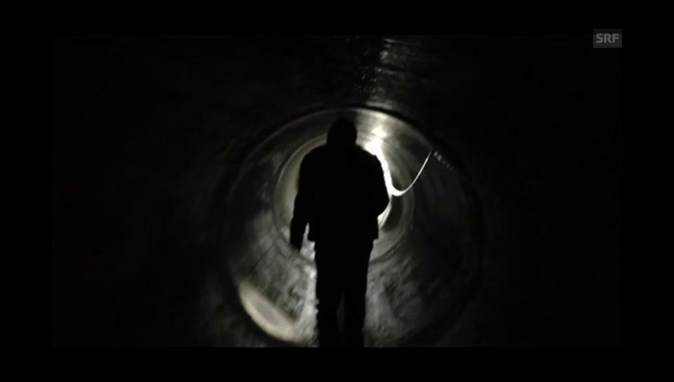 Gang durch die Tunnel der Kläranlage
