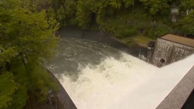 Video «Schleusen auf, Turbinen an: Sihlsee wird geleert» abspielen