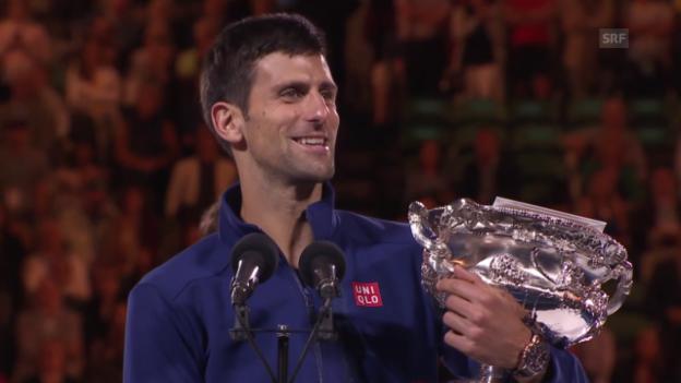 Video «Djokovic bei der Siegerehrung» abspielen