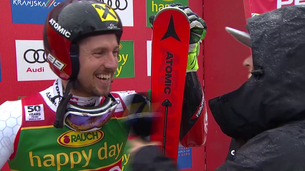 Hier erfährt Marcel Hirscher von seinem Gesamtweltcupsieg