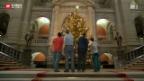 Video «Die störrische Weihnachtstanne im Bundeshaus» abspielen