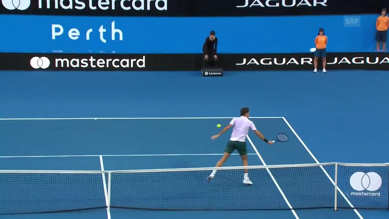 Mit diesem Zauberschlag sicherte sich Federer den 1. Satz