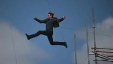 Link öffnet eine Lightbox. Video Tom Cruise kuriert, Emma Stone kassiert, Jim Carrey koloriert abspielen