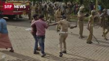 Link öffnet eine Lightbox. Video Gewalttätige Proteste in Indien abspielen