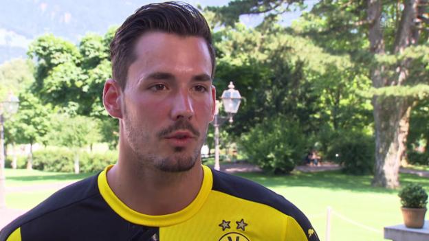 Video «Fussball: Roman Bürki über den Konkurrenzkampf auf der Torhüter-Position» abspielen