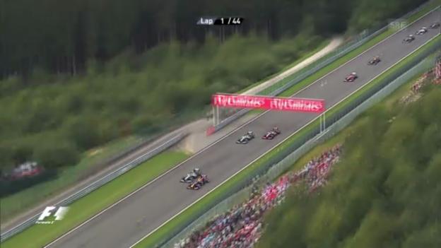 Video «GP Belgien: Start und Zieleinfahrt («sportlive»)» abspielen