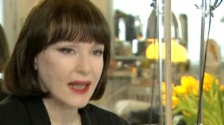 Video «Sex, Drugs & Ich – wie die Künstlerin Manon Exhibitionismus ins Museum bringt» abspielen