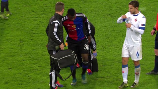 Video «Fussball: Europa League, 3. Spieltag, Basel - Belenenses, Embolo verdreht sich das Knie» abspielen