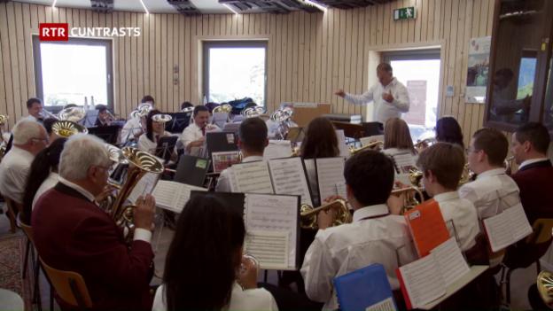 Laschar ir video «Cun corns e cornets – Quatter musicas a la Festa federala da musica a Montreux»