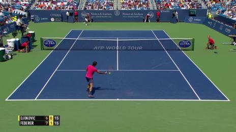 Video «Tennis: ATP 1000 Cincinnati, Final Federer - Djokovic, Federer punktet mit einem Stoppball» abspielen