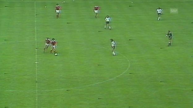 Video «WM 1994: Nichtangriffspakt bei BRD - Österreich» abspielen