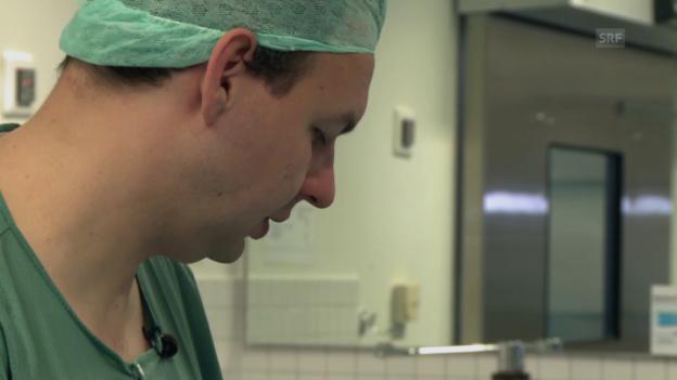 Video «Christian Helm bei der Arbeit» abspielen