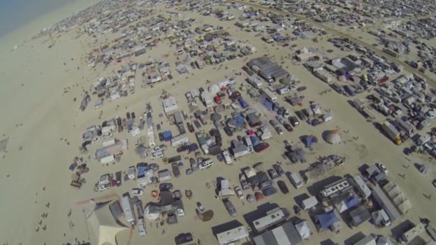 Video «Der «Fotokite» am Burning Man (Quelle: «Fotokite»)» abspielen