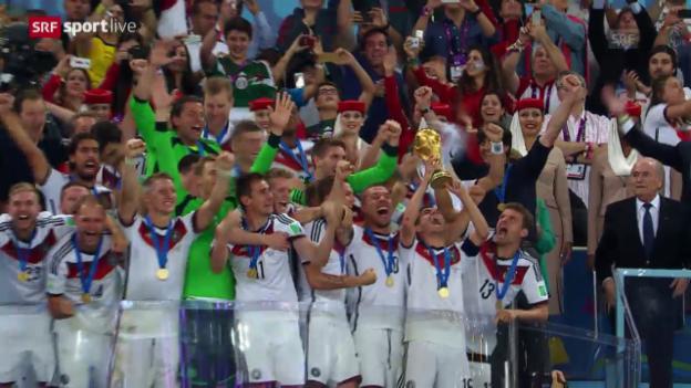 Video «Die Pokalübergabe an Deutschland» abspielen