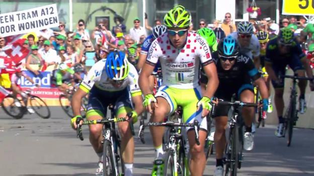 Video «Rad: Tour de Suisse, Schlussphase 3. Etappe» abspielen