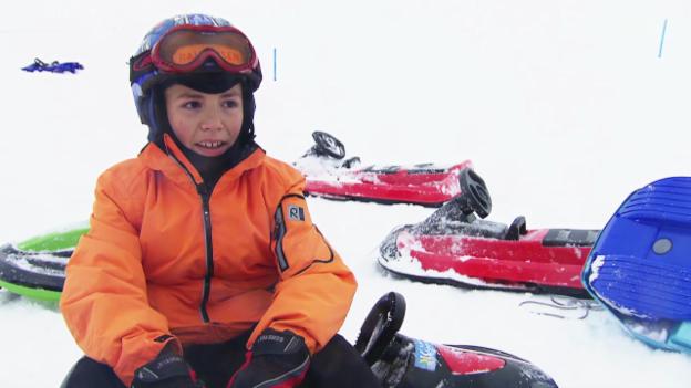 Video «Bob-Schlitten im Test: Plastikboliden auf Schleuderfahrt» abspielen