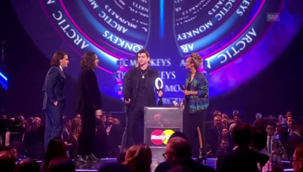Video «Die «Brit Awards» mit den «Arctic Monkeys» und «One Direction»» abspielen
