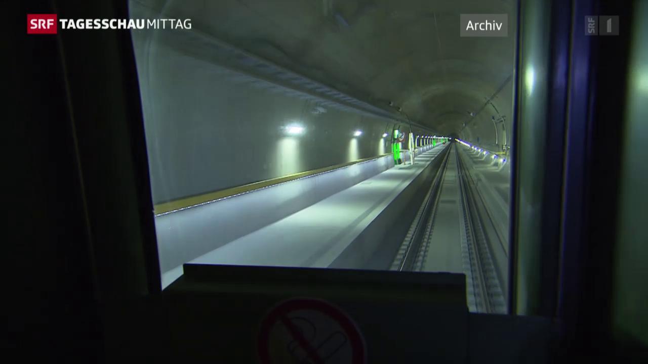 Evakuierung im Gotthard inszeniert