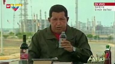 Bild des Tages: Chavez trinkt genüsslich Juvita
