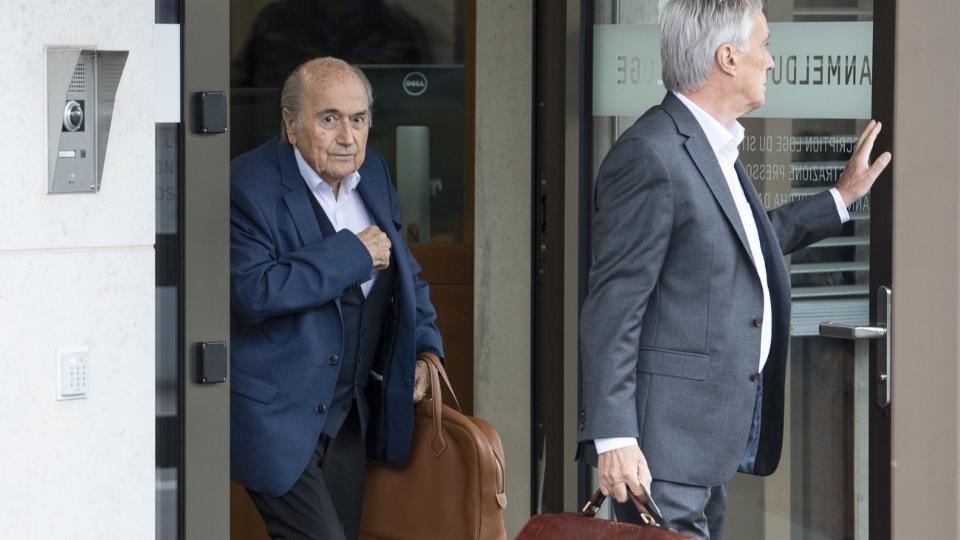 Schlappe für die Fifa, Erfolg für Ex-Präsident Blatter