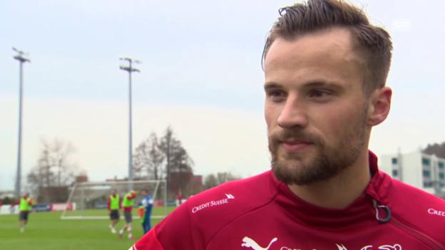 Video «Fussball: Training Schweizer Nationalmannschaft, Interview Haris Seferovic» abspielen
