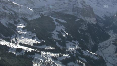 Video «Die Lauberhorn-Strecke von oben» abspielen