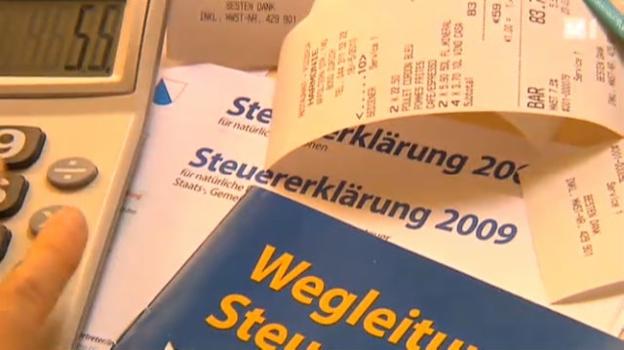 Video «Grosse Umfrage: Boni verderben die Steuermoral» abspielen