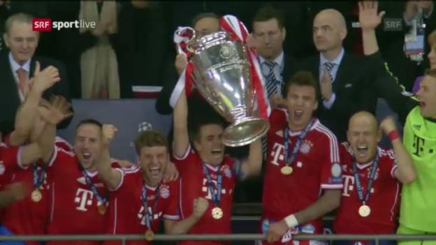 Video «Fussball: Bayern-Jubel und Siegerehrung» abspielen