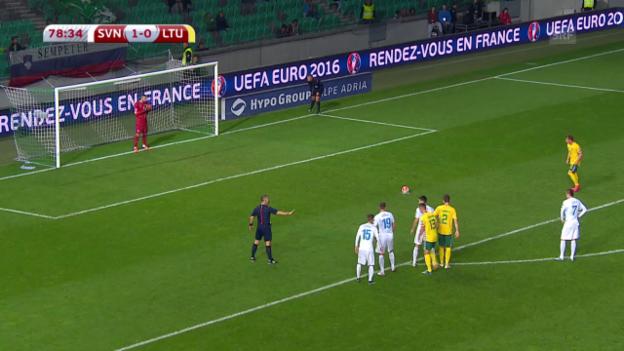 Video «Fussball: EURO-Quali, Zusammenfassung Slowenien - Litauen» abspielen
