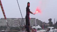 Link öffnet eine Lightbox. Video Härteste Regatta der Welt: Genfer Segler fährt heute als jüngster Teilnehmer überhaupt ins Ziel. abspielen