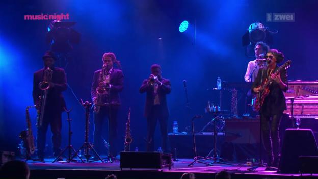 Video «Melody Gardot - live vom Montreux Jazz Festival 2015» abspielen