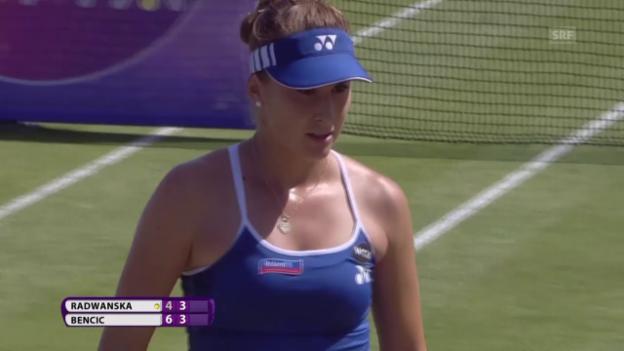 Video «Tennis: WTA-Turnier Eastbourne, Final, Ballwechsel Bencic - Radwanska» abspielen