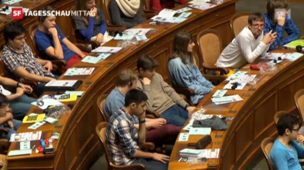 Video «Von Politikverdrossenheit keine Spur: Junge Parlamentarier an der Jugendsession. («Tagesschau am Mittag» vom 17.11.2012)» abspielen