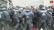 Link öffnet eine Lightbox. Video Demonstrantionen gegen AfD-Parteitag abspielen