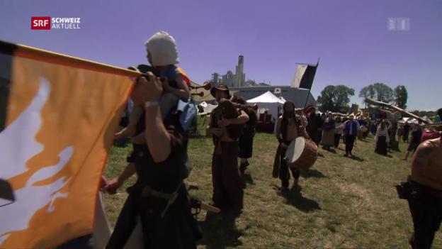 Video «Mittelalter-Spektakel in Hinwil ZH» abspielen