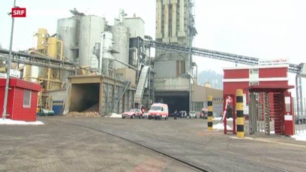 Video «Drei Tote bei Bluttat in der Holzfabrik Menznau» abspielen
