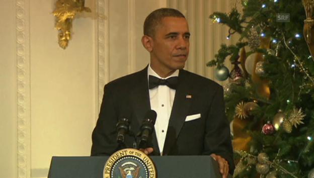 Video «Benebelt? Obama zeichnet Carlos Santana aus.» abspielen